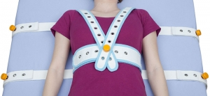 Abdominal safety belt with femoral support